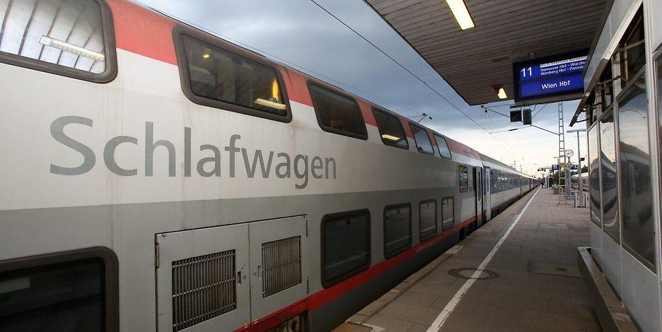 Slaapwagen van de Oostenrijkse spoorwegen ÖBB in Wenen