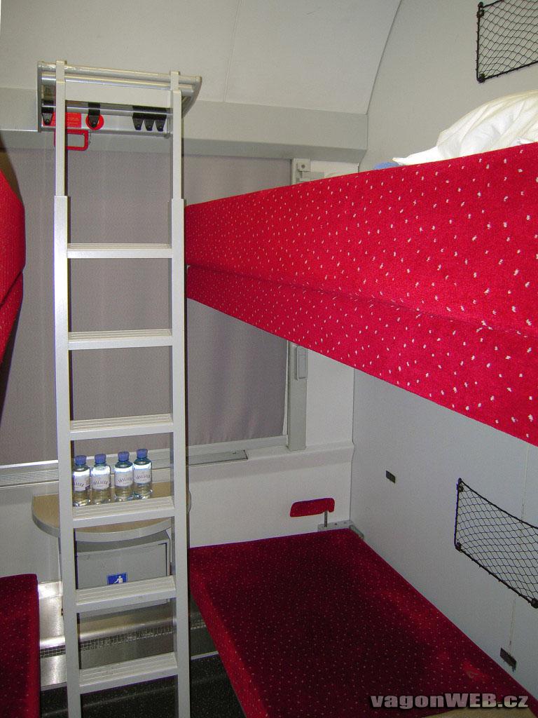 Coupé voor vier personen in een couchetterijtuig van de ÖBB. Foto: vagonweb.cz.