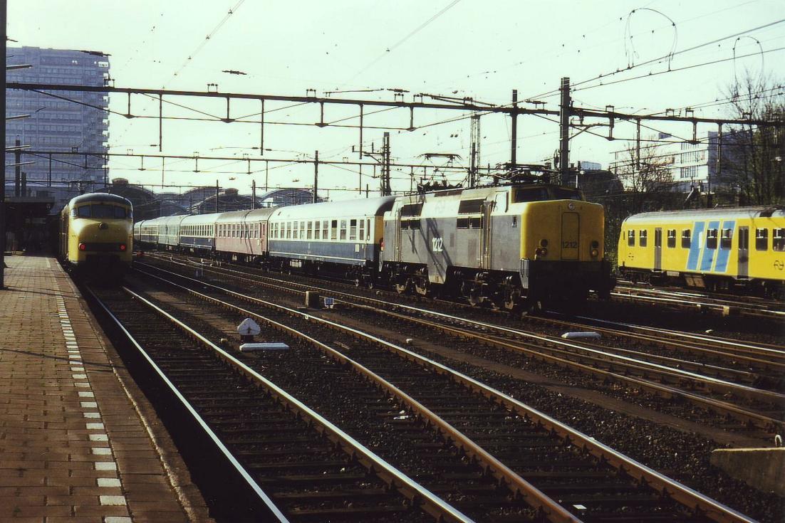 Vanuit Hoek van Holland reed de Nord West Express via Schiedam en de verbindingsboog naar Rotterdam Noord naar Utrecht. Daar werd kopgemaakt en ging de reis verder via Amersfoort richting de Duitse grens