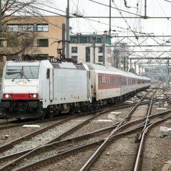 NS E186 238 met CityNightLine uit Zürich en München, Utrecht 16 november 2015 - Roel Hemkes