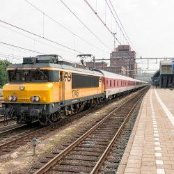 NS 1746 met lege CityNightLine komt door Amersfoort, 27 mei 2016 - Roel Hemkes