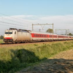 NS  International 186 238 achterop CityNightLine door de Eempolder, 5 juni 2016 - Roel Hemkes