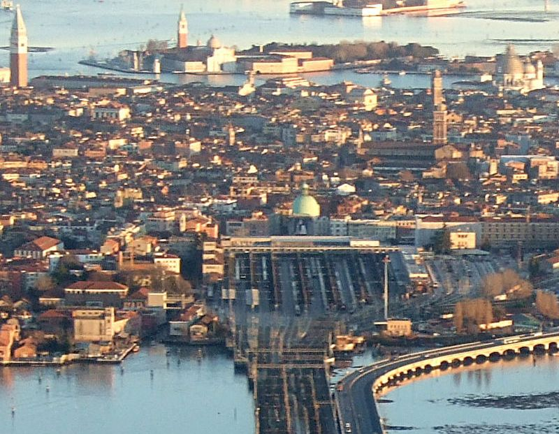 Aankomst in historisch Venetië ©Wikipedia