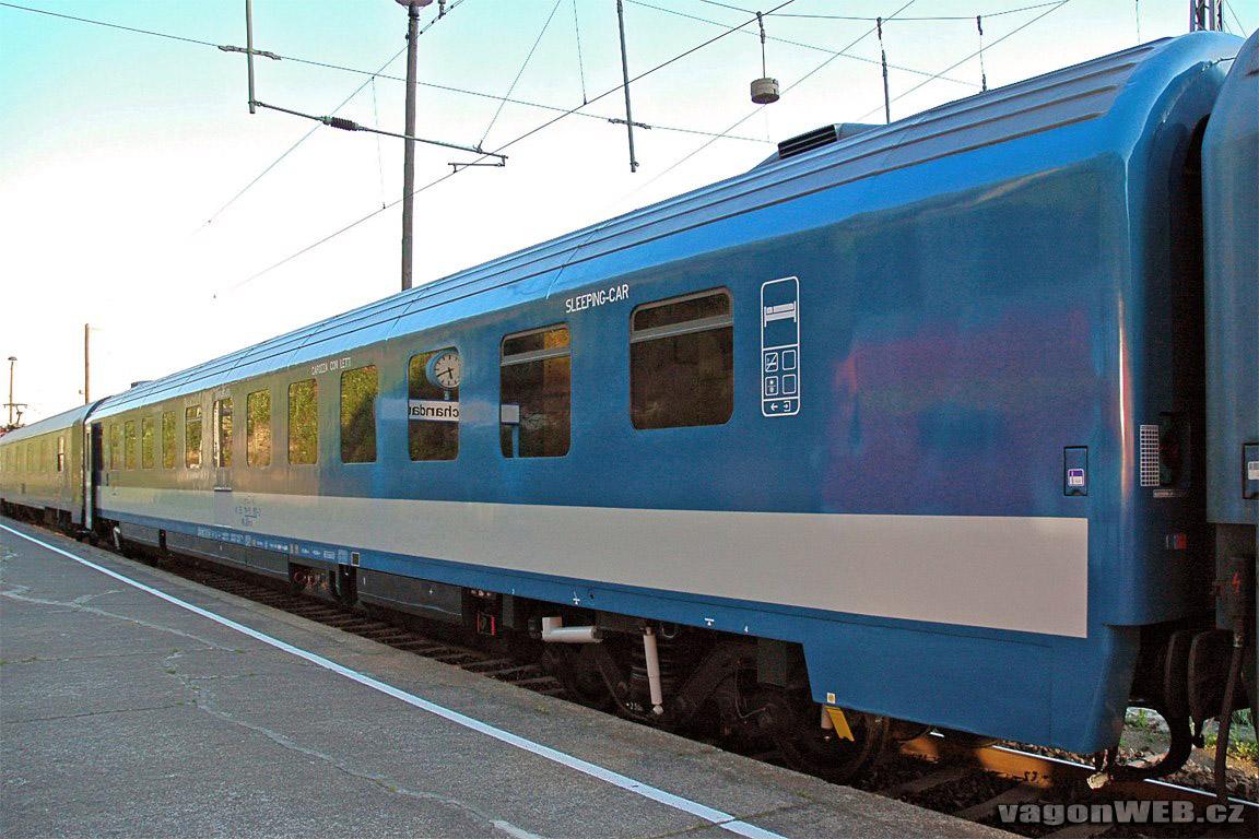 Slaapwagon van de Hongaarse spoorwegen ©Josef Petrák