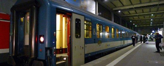 Vertrek van de nachttrein naar Budapest in München ©Seat61/Mark Smith